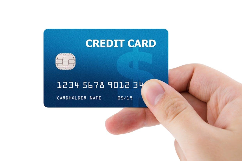Menurut kamu zaman sekarang ini penting gak sih untuk punya kartu kredit?