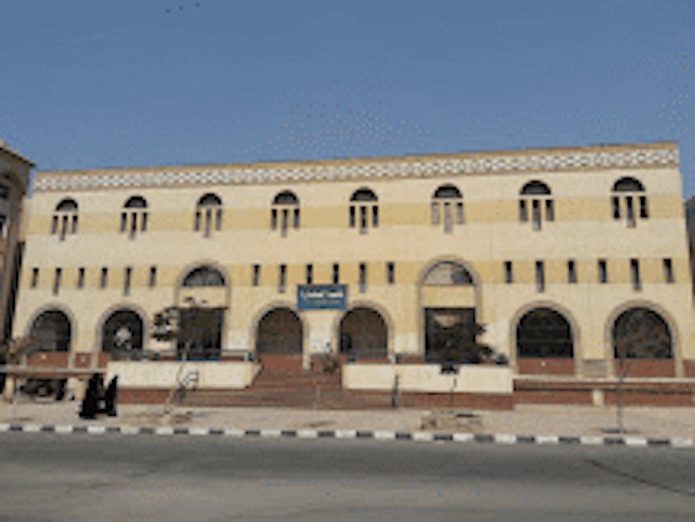 বিশ্ববিখ্যাত আল-আযহার বিশ্ববিদ্যালয় কোথায় অবস্থিত?