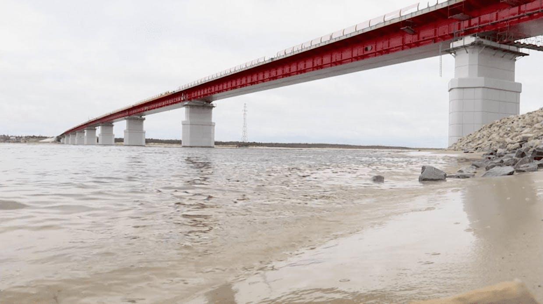 Материалы ВМП защищают Пуровский мост (ЯНАО)
