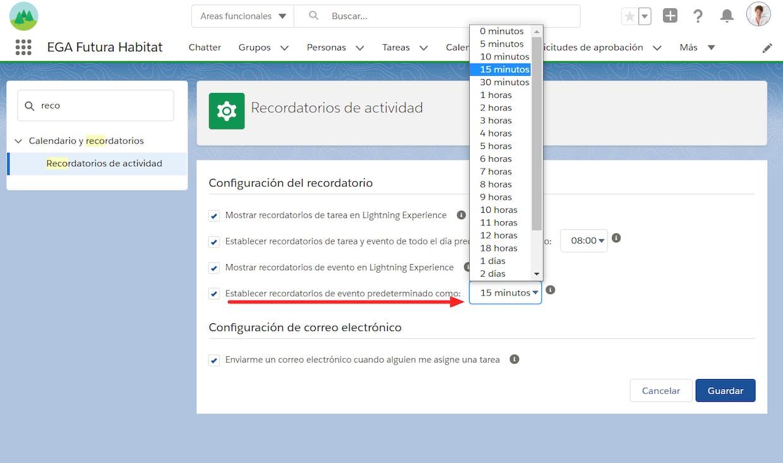 Cómo se configuran las notificaciones al cargar un evento en calendario?
